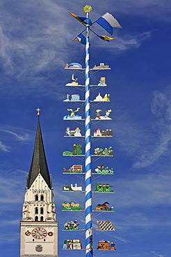 The May Pole of Pfaffenhofen, the town's parish church of St. John the Baptist at back Pfaffenhofen, Upper Bavaria, Bavaria, Germany, Europe