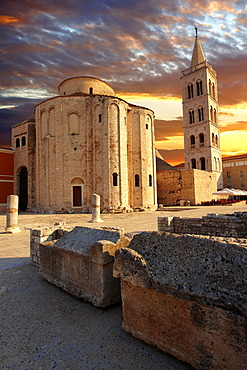 The pre-Romanesque Byzantine St Donat's Church and the Campanile bell tower of the St Anastasia Cathedral, Zadar, Croatia, Europe