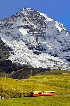 Junfraujoch funicular railway in front of the Moench from Kleine Scheidegg, Grindelwald, Alps, Switzerland, Europe