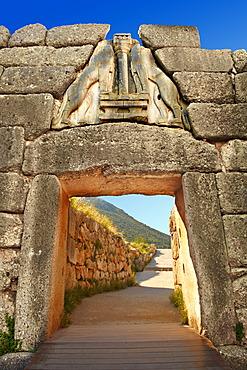 Mycenae Lion Gate and citadel walls, built in 1350 B.C., Mycenae archaeological site, UNESCO World Heritage, Peloponnese, Greece, Europe