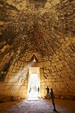 "Interior of the Treasury of Atreus, an impressive ""tholos"", a beehive shaped tomb on Panagitsa Hill, Mycenae archaeological site, UNESCO World Heritage, Peloponnese, Greece, Europe"