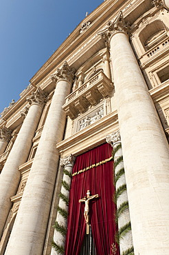 Christianity, Roman Catholic Church, main entrance portal with a crucifix and balcony, facade, St. Peter's Basilica, Basilica di San Pietro in Vaticano, Vatican, Vatican City, Rome, Lazio, Italy, Southern Europe, Europe