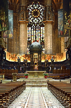 Choir and altar, Milan Cathedral, Milan, Lombardy, Italy, Europe