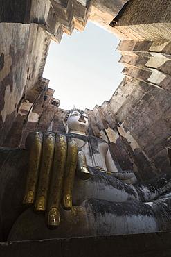 Giant Buddha statue, Wat Si Chum, Sukhothai historical park, Sukhothai, Thailand, Asia