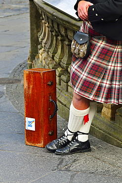 Kilt, sporran purse and bagpipes case, Edinburgh, Scotland, United Kingdom, Europe