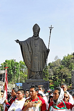 Monument to Pope John Paul II, worshippers at the front, Mexico City, Mexico, Central America