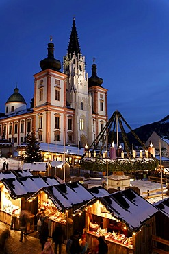 Christmas market at the basilica on the main square in Mariazell, pilgrimage site, Upper Styria, Austria, Europe