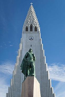 Monument to Leif Ericson, also known as Leifur Eiriksson, an explorer who discovered America, Hallgrimskirkja church, church of Hallgrimur, a landmark of Reykjavik, Iceland, Europe
