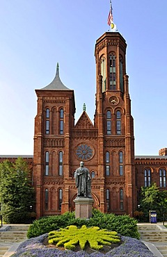 """Statue of scientist Joseph Henry in front of the Smithsonian Institution Building, admin building and museum, known as """"the Castle"""", National Mall, Washington DC, District of Columbia, United States of America, USA, PublicGround"""
