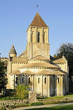 Eglise Saint Hilaire church, French Way, Way of St James, Melle, Poitiers, Department of Deux-Sevres, Poitou-Charentes, France, Europe, PublicGround