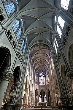 Cathedrale Notre-Dame de Moulins, Moulins Cathedral, Allier, France, Europe