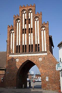 Wassertor city gate, brick gothic, Wismar, Mecklenburg-Western Pomerania, Germany, Europe, PublicGround