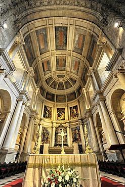 Altar, Santa Maria Church, Mosteiro dos Jeronimos, Hieronymites Monastery, Unesco World Heritage Site, Belem district, Lisbon, Portugal, Europe