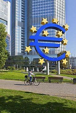 European Central Bank, ECB, euro-symbol, Frankfurt am Main, Hesse, Germany, Europe, PublicGround