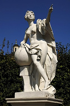 Female statue with dividers and a globe, Unteres Schloss Belvedere palace, character from the Graeco-Roman mythology, Rennweg street, Vienna, Austria, Europe
