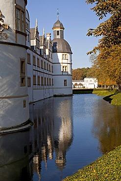 Moat around Schloss Neuhaus castle, an outstanding Weser-Renaissance building in Paderborn, North Rhine-Westphalia, Germany, Europe