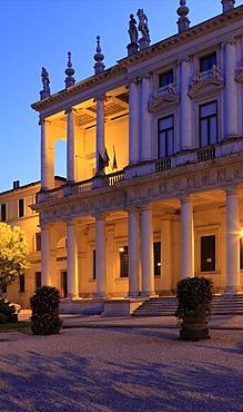 Palazzo Chiericati by Andrea Palladio, seat of the Museo Civico de Vicenza, Piazza Matteotti, Vicenza, Veneto, Italy, Europe, PublicGround