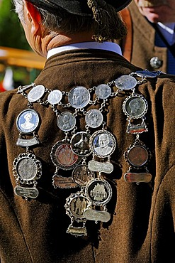 Necklace with medallians of the mountain riflemen companie, Gotzinger Trommel, 50 years re-establishment festival of the mountain riflemen company Gotzinger Trommel, Neukirchen, Weyarn, Upper Bavaria, Germany, Europe