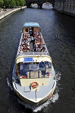 Excursion boat with tourists near the Bode Museum, river Spree, Museumsinsel, Museum Island, UNESCO World Heritage Site, Mitte quarter, Berlin, Germany, Europe, PublicGround
