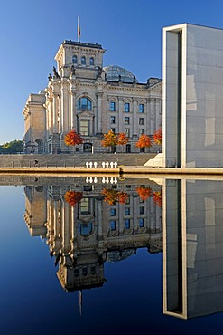 Reichstag Building and Paul Loebe Building reflected in the Spree River in autumn, Berlin, Germany, Europe, PublicGround