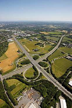 Aerial view, Autobahn A45 and A40 motorway junction, University of Dortmund, TechnologieZentrum Dortmund, technology centre, Weisses Feld campus, Dortmund, Ruhr Area, North Rhine-Westphalia, Germany, Europe