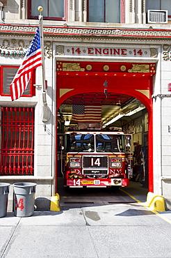 Fire engine, Manhattan, New York, USA