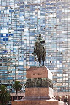 Jose Artigas equestrian statue, Plaza Independencia, Montevideo, Uruguay, South America