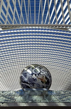 "Partial view of the station concourse, a globe with the inscription ""EXPO SOS Planet"" as a reference to the candidacy of Liege for the World's Fair 2017, Gare de Liege-Guillemins railway station, architect Santiago Calatrava, Liege, Luik, Wallonia, Belgiu"