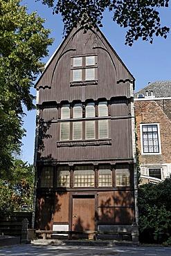 Oldest wooden gable in Middelburg, Walcheren, Zeeland, Netherlands, Europe