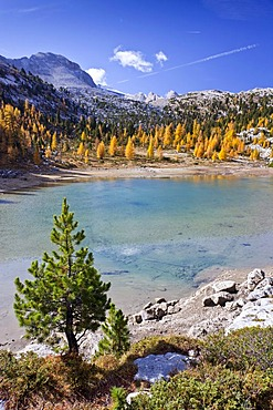 Lake Schottersee, Fanes-Sennes-Prags Nature Park above Pederue alpine hut, Dolomites, province of Bolzano-Bozen, Italy, Europe
