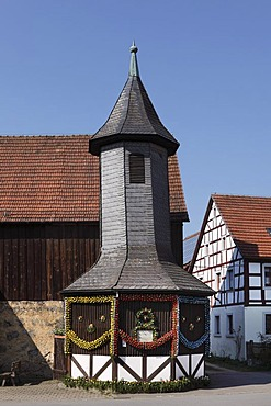 Brunnenhaus well house in Birkenreuth, Easter well, municipality of Wiesenttal, Little Switzerland, Upper Franconia, Franconia, Bavaria, Germany, Europe