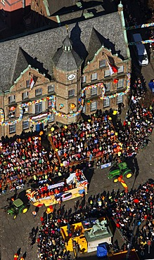 Aerial view, stand, street carnival, historic city hall in the old town, Duesseldorf, Rhineland region, North Rhine-Westphalia, Germany, Europe