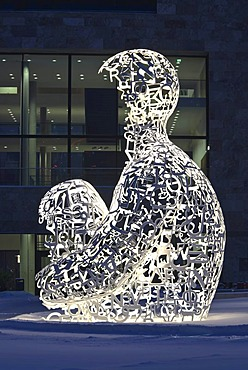 """""""Man of Knowledge"""" by Jaume Plensa, morning mood on the Campus Westend of the Goethe University, Frankfurt am Main, Hesse, Germany, Europe"""