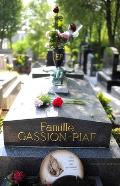 Grave of Edith Piaf, Pere Lachaise Cemetery, Paris, France, Europe