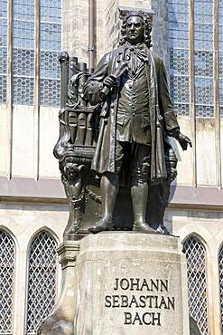 Johann Sebastian Bach statue outside St Thomas' Church, Leipzig, Saxony, Germany, Europe