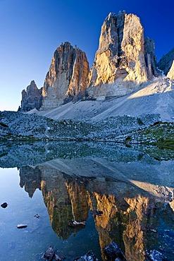 Drei Zinnen or Tre Cime di Lavaredo peaks in the Hochpustertal valley, Sexten Dolomites, South Tyrol, Italy, Europe