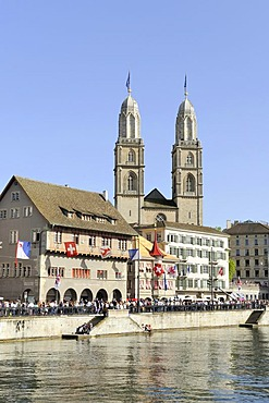 Limmat River, with Limmatquai quay and the Zunfthaus zum Rueden guildhall, the two steeples of Grossmuenster church at the back, historic district of Zurich, Canton of Zurich, Switzerland, Europe