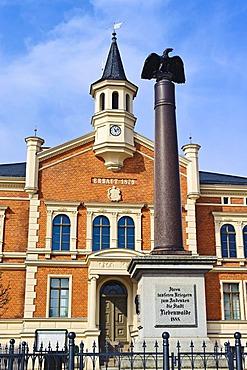 War memorial in front of Liebenwalde city hall, Upper Havel district, Brandenburg, Germany, Europe
