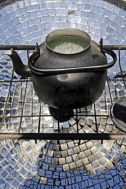 Kettle, cooking with solar energy, solar restaurant, Vicuna, Valle d'Elqui, Elqui Valley, La Serena, Norte Chico, northern Chile, Chile, South America