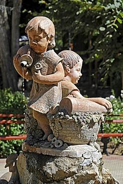 Children, fountain statues, Pisco Elqui, village, Vicuna, Valle d'Elqui, Elqui Valley, La Serena, Norte Chico, northern Chile, Chile, South America