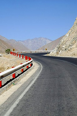 Mountain road, bend, desert mountains, Monte Grande, Vicuna, Valle d'Elqui, Elqui Valley, La Serena, Norte Chico, northern Chile, Chile, South America