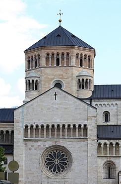 North facade of the Cathedral of San Vigilio or Cattedrale di San Vigilio, Piazza del Duomo square, Trento, Trentino-Alto Adige, Italy, Europe