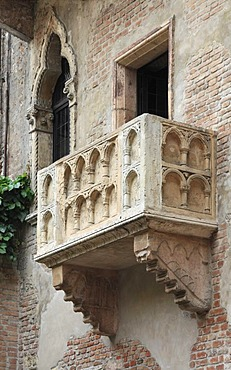 Balcony, Casa di Giulietta or Juliet's House, Verona, Veneto, Italy, Europe