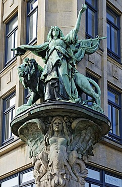 Sculpture on the facade of the Haus der Seefahrt building at the mouth of the Alster River called Nikolaifleet, Deichstrasse street, historic town center, Hamburg, Germany, Europe