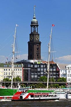 St. Michaelis Church and Museum Ship Rickmer Rickmers, Hamburg, Germany, Europe