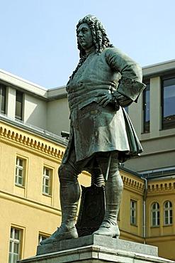 Memorial Georg Friedrich Haendel 1685-1759, from 1838, market square, Halle, Saxony-Anhalt, Germany, Europe
