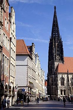 Prinzipalmarkt street, market and town church of St. Lamberti, Muenster, Muensterland, North Rhine-Westfalia, Germany, Europa