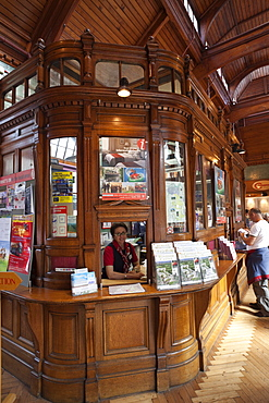 Tourist Information Office, Windsor Royal Shopping Arcade, Windsor, Berkshire, England, United Kingdom, Europe