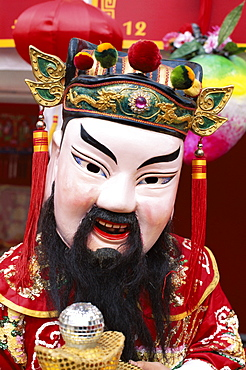 Chinese Lucky God mask of the god of wealth, Shanghai, China, Asia