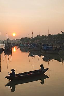Thu Bon River at sunrise, Hoi An, UNESCO World Heritage Site, Vietnam, Indochina, Southeast Asia, Asia